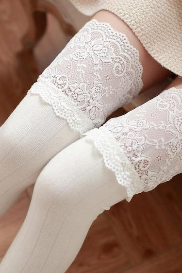 3 Colors Kawaii Flowers Lace Over Knees Legging LK15083103